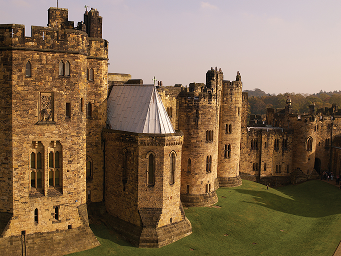 alnwick castle (britain-magazine.com)
